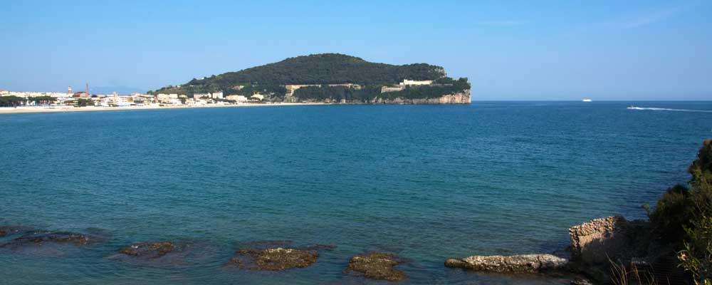 veduta panoramica spiaggia di fontania e serapo- dove prenotare